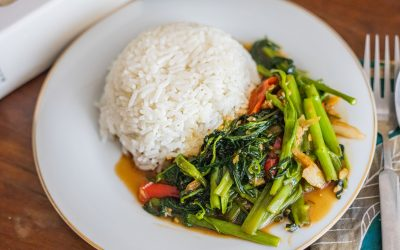 Stir-fried Morning Glory with Steamed Rice